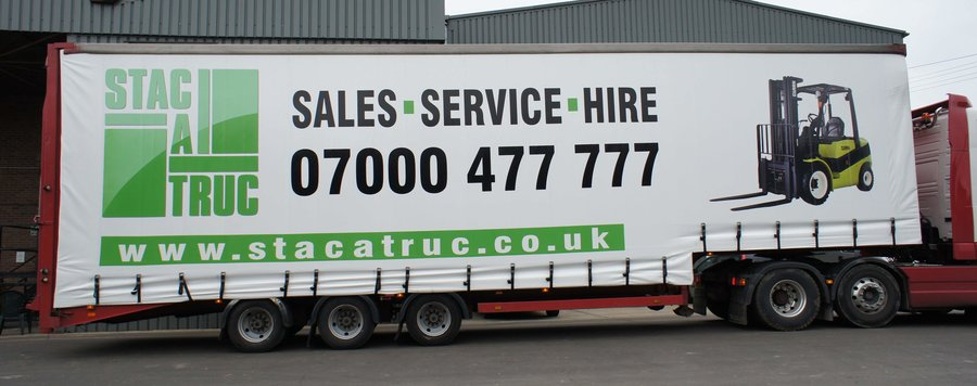 Stacatruc lorry