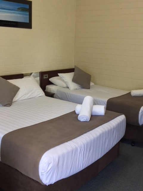 Bayview Motel Esperance Beds in Room