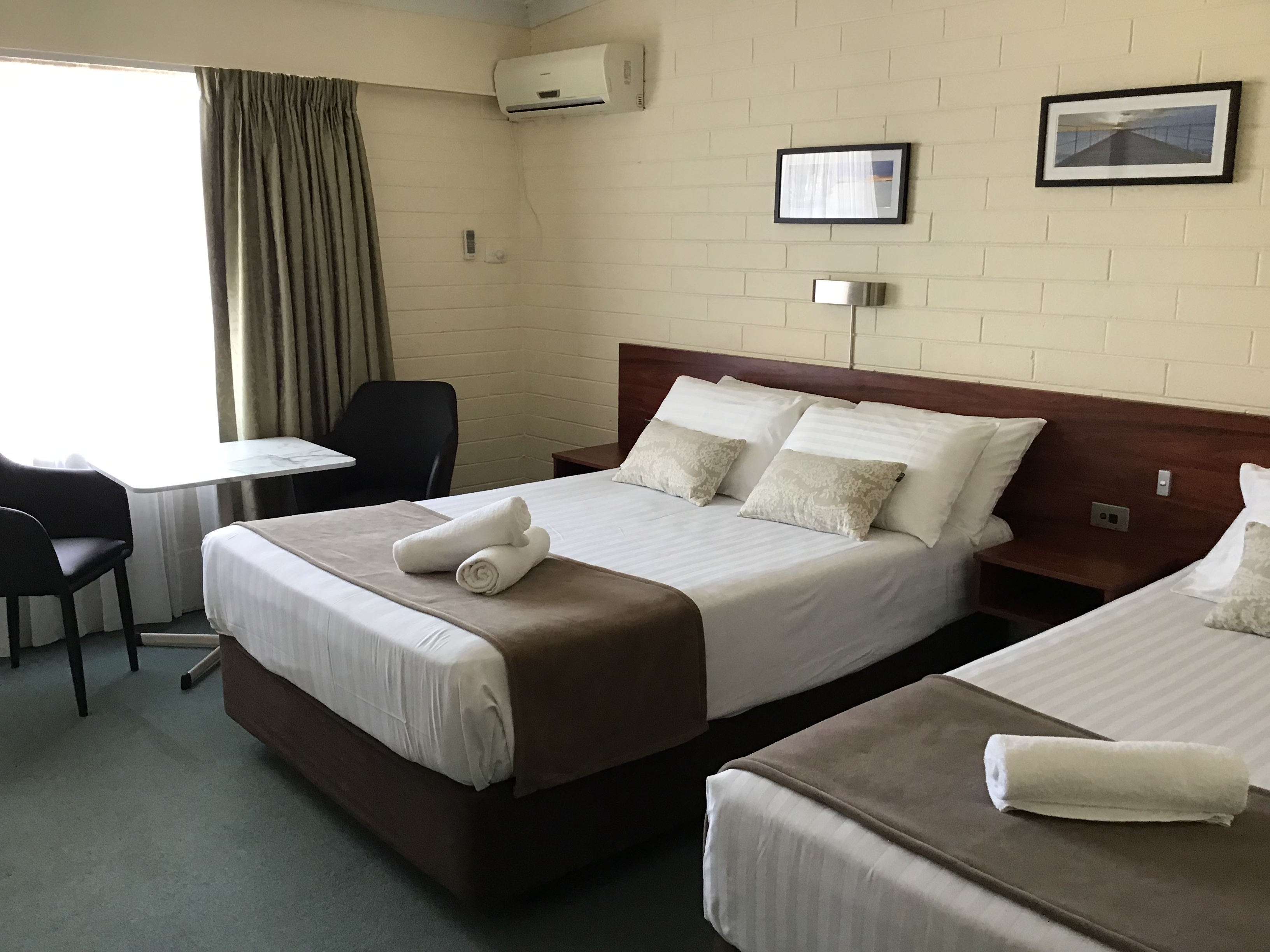 Bayview Motel Esperance Queen plus Single room