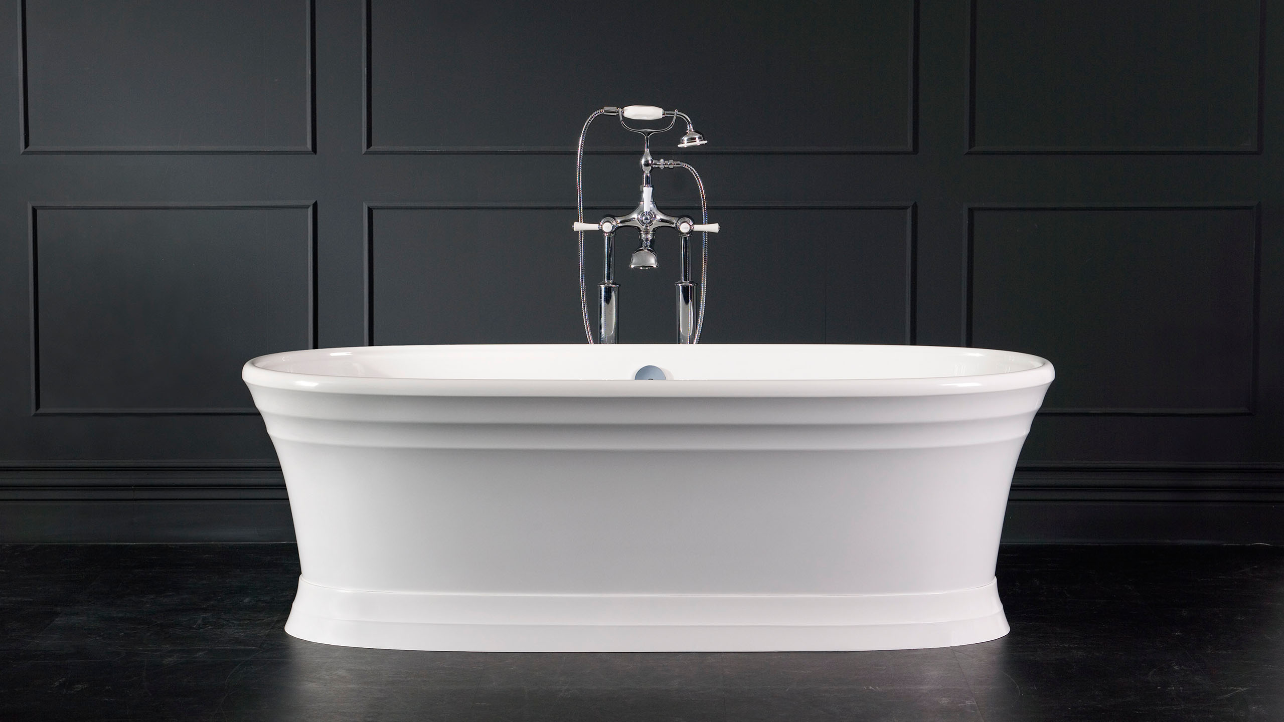 Worcester Freestanding bath with plinth 1797 x 780mm, without overflow