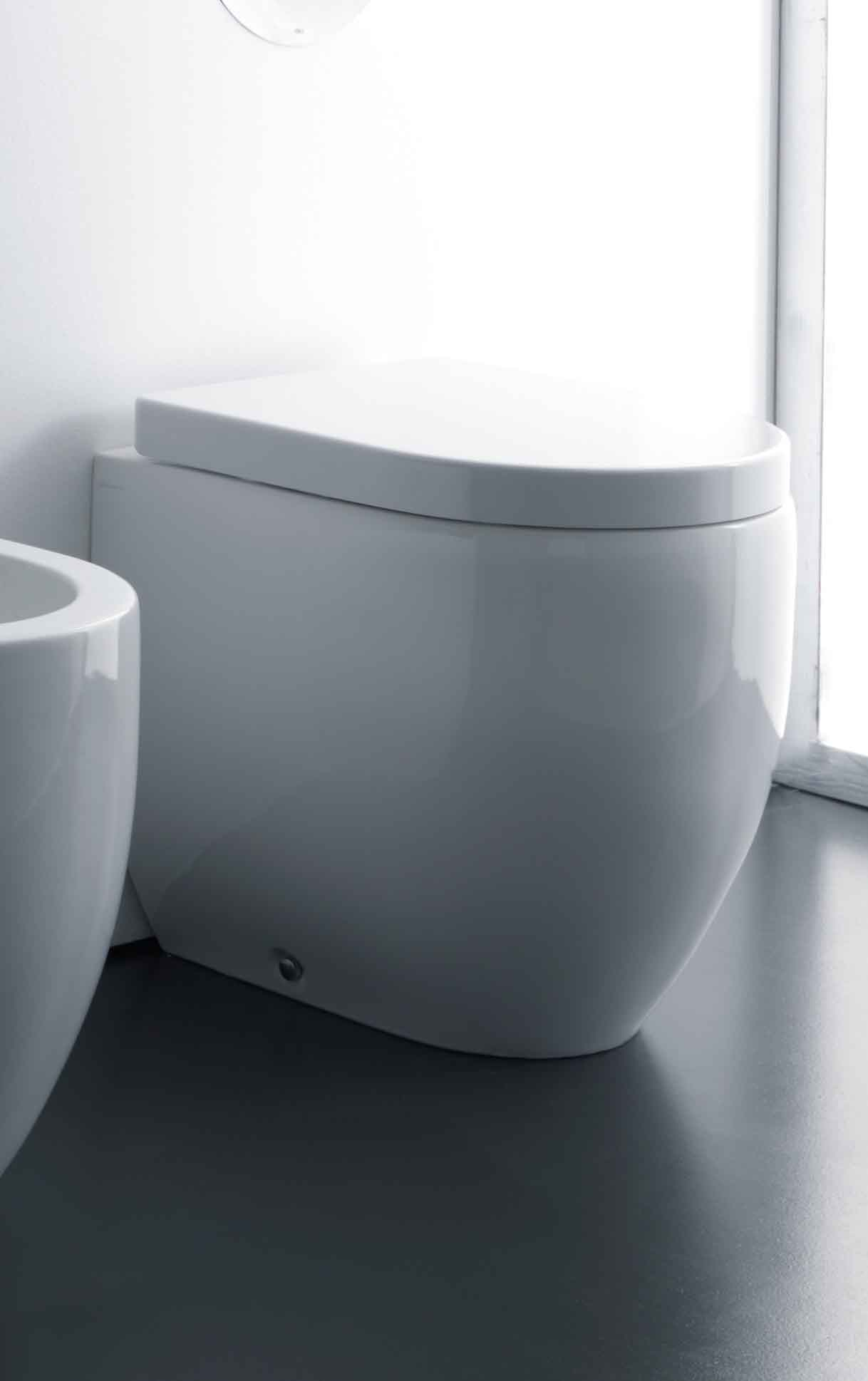 Flo Pedestal Suite with  TECE 8cm cistern and TECEnow 9.240.401 button